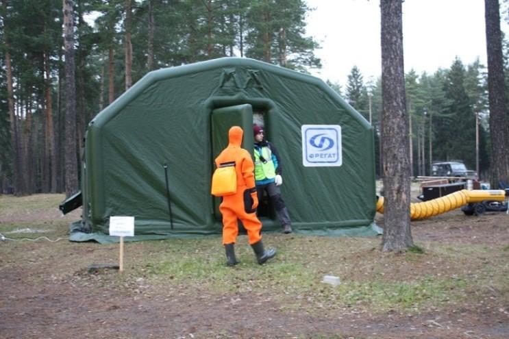 Для выполнения поставленных перед юными спасателями задач использовались специализированные технические спасательные средства - многофункциональный пневмокаркасный модуль Фрегат.