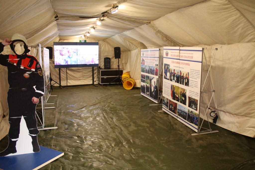 пневмокаркасная палатка 7